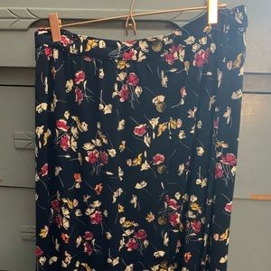 Beautiful floral skirt NWT 4x